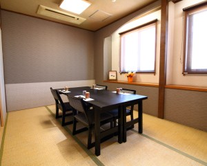 富士の間:テーブル
