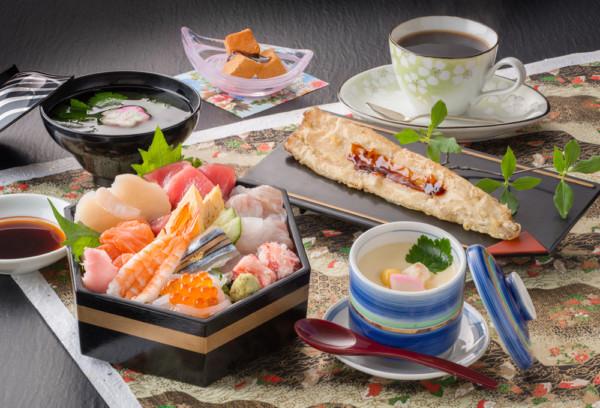 市場の海鮮丼(平日ランチのみ)